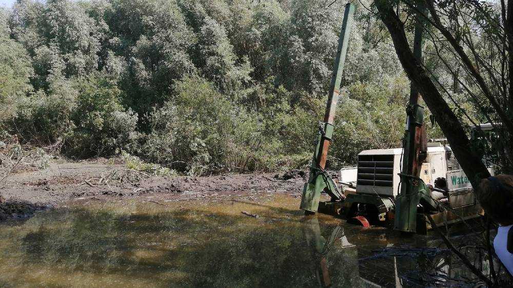 В Брянске начали расчистку от ила и бревен 6 километров русла реки Десны