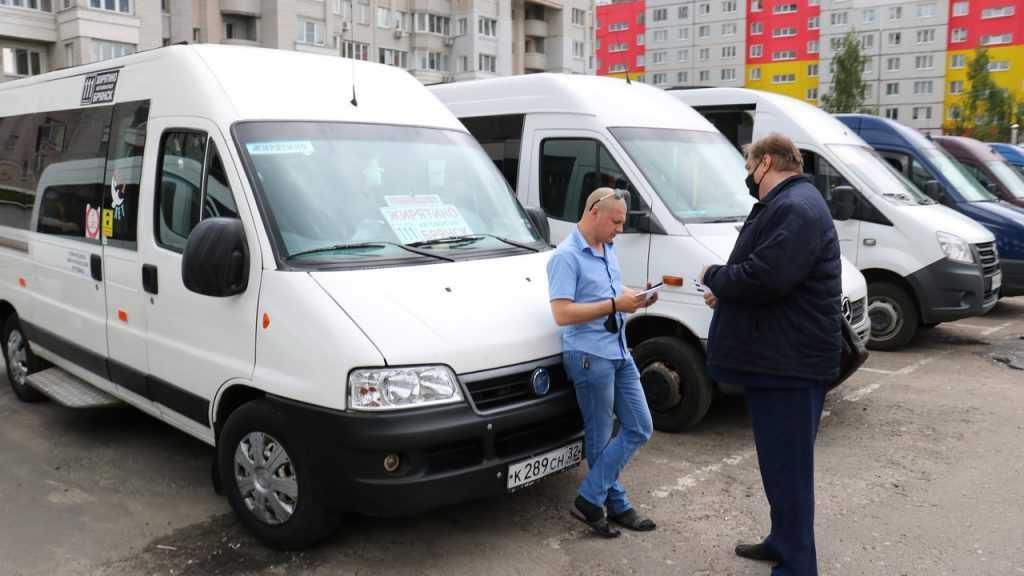 Брянцев маршрутчики предупредили о риске транспортного коллапса с 1 октября