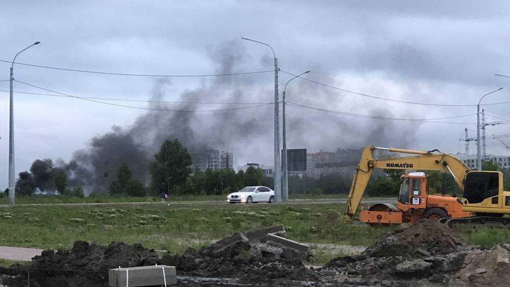 В Брянске старый аэропорт заволокло черным дымом