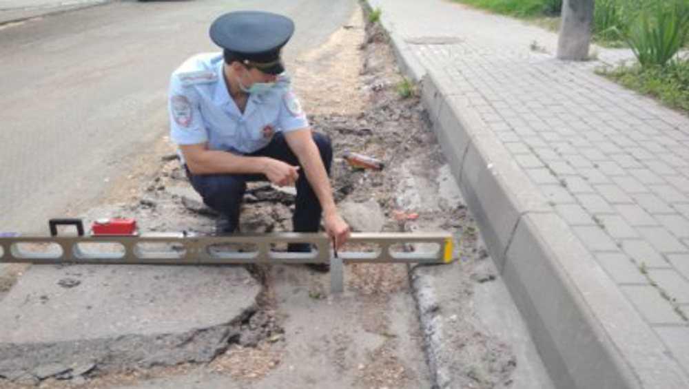 Сотрудники ОГИБДД Брянска выявили нарушения при ремонтах дорог