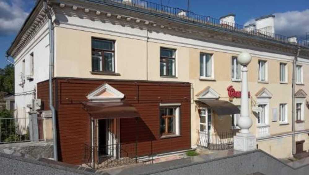 Профессора возмутил современный вид исторического дома у набережной в Брянске