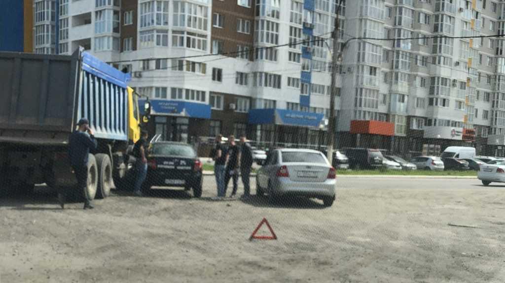 На забытой брянскими чиновниками дороге произошло ДТП