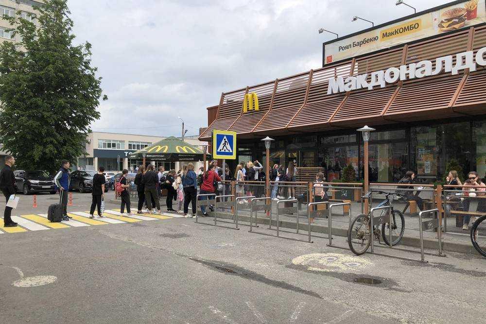 В Брянской области работу кафе и ресторанов в июне 2021 года вновь ограничили из-за коронавируса