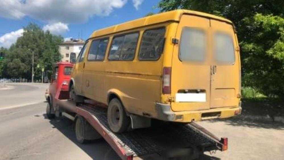В Брянске сотрудники ГИБДД задержали маршрутку с неисправным рулём