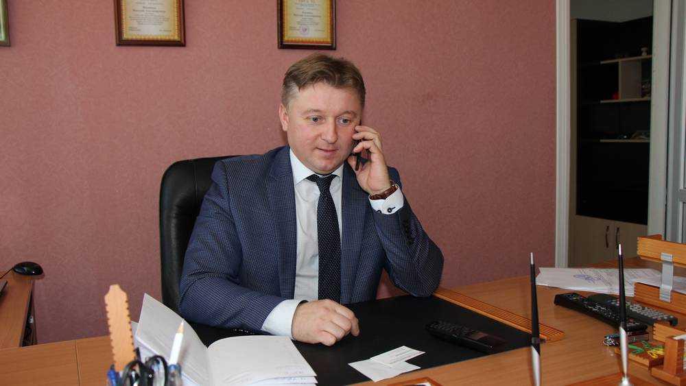 В Брянске пообещали не увольнять педагога техникума за отказ от вакцинации