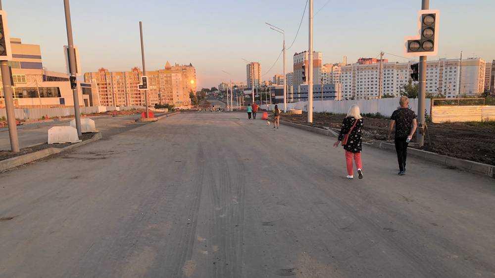 В Брянске дорогу на Объездной улице превратили в тротуар рекордной ширины
