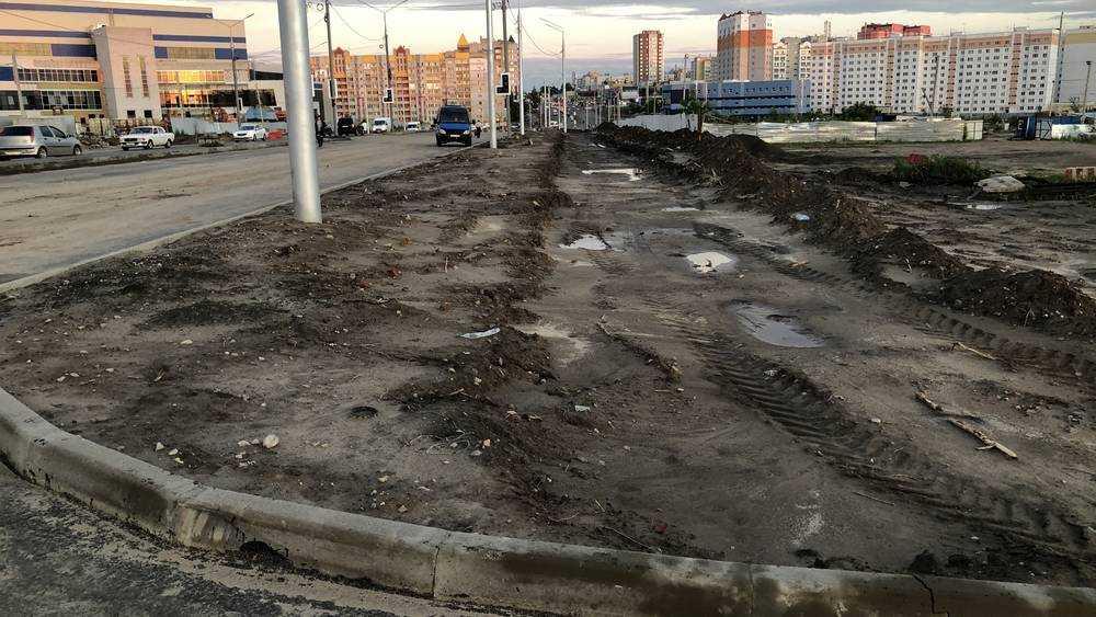 В Брянске на Объездной улице начали строить тротуары