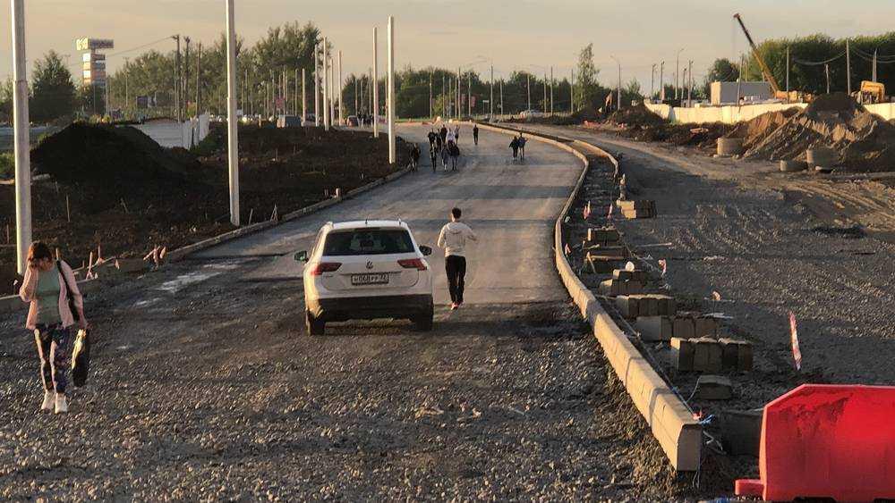 В Брянске автомобилисты прорвались на недостроенную дорогу на улице Объездной