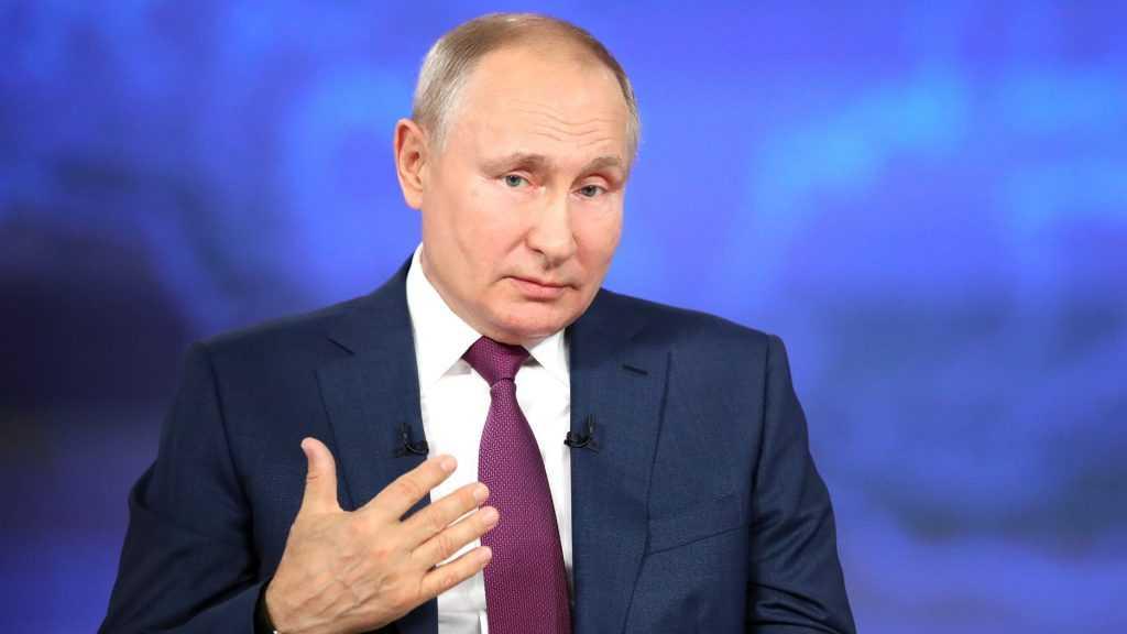 Путин опубликовал статью о единстве русских и украинцев