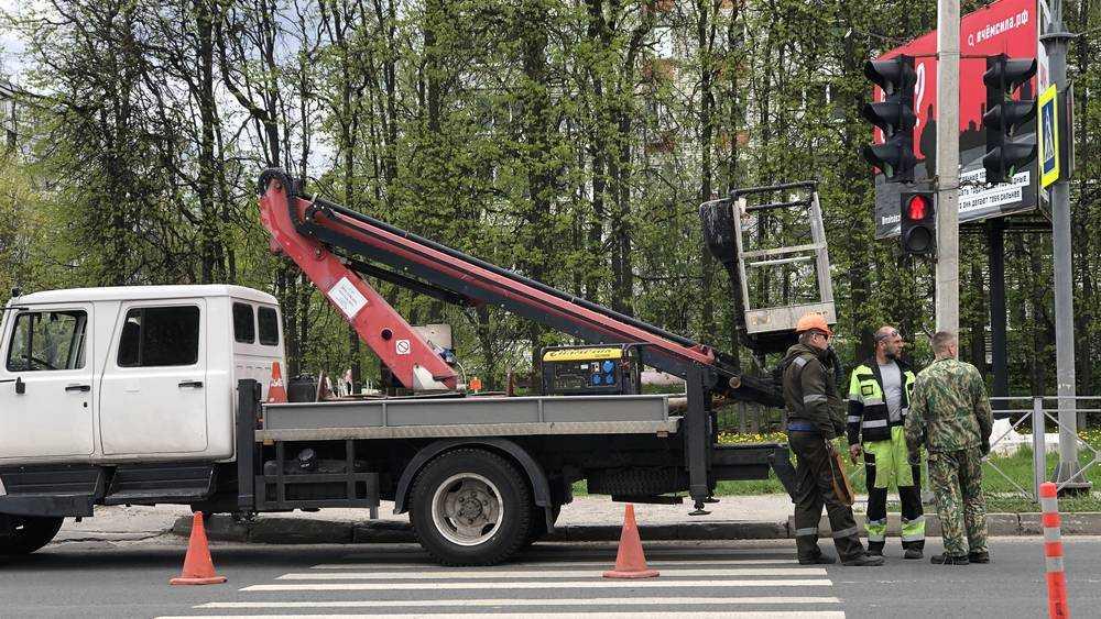 В Брянске на улице Брянского фронта ликвидировали два пешеходных перехода