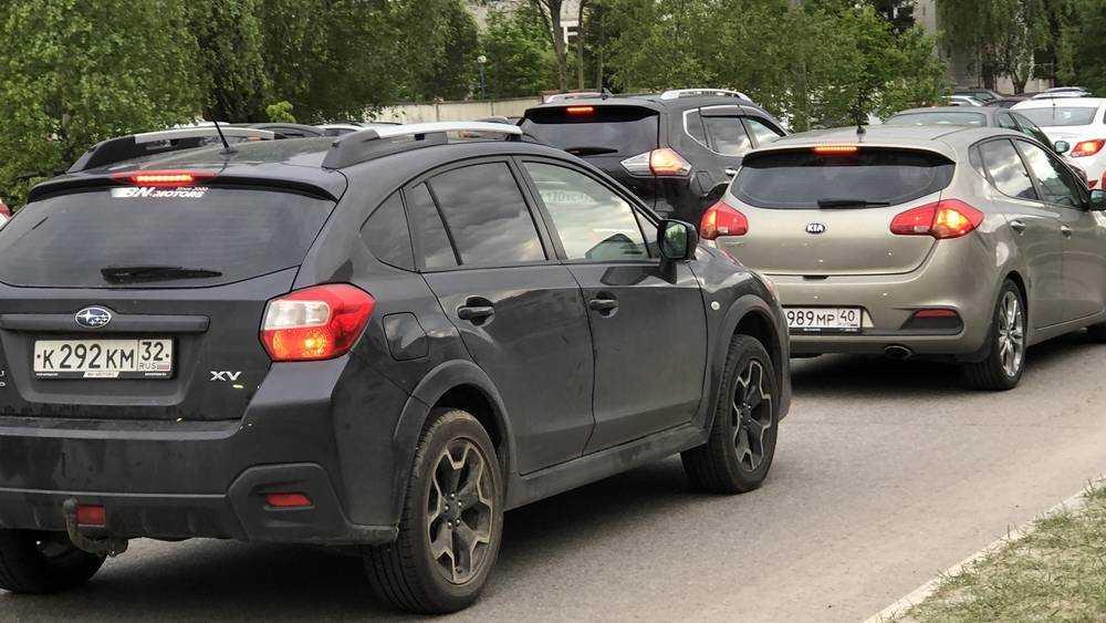 В Брянске вечером 18 июня на многих улицах образовались большие пробки