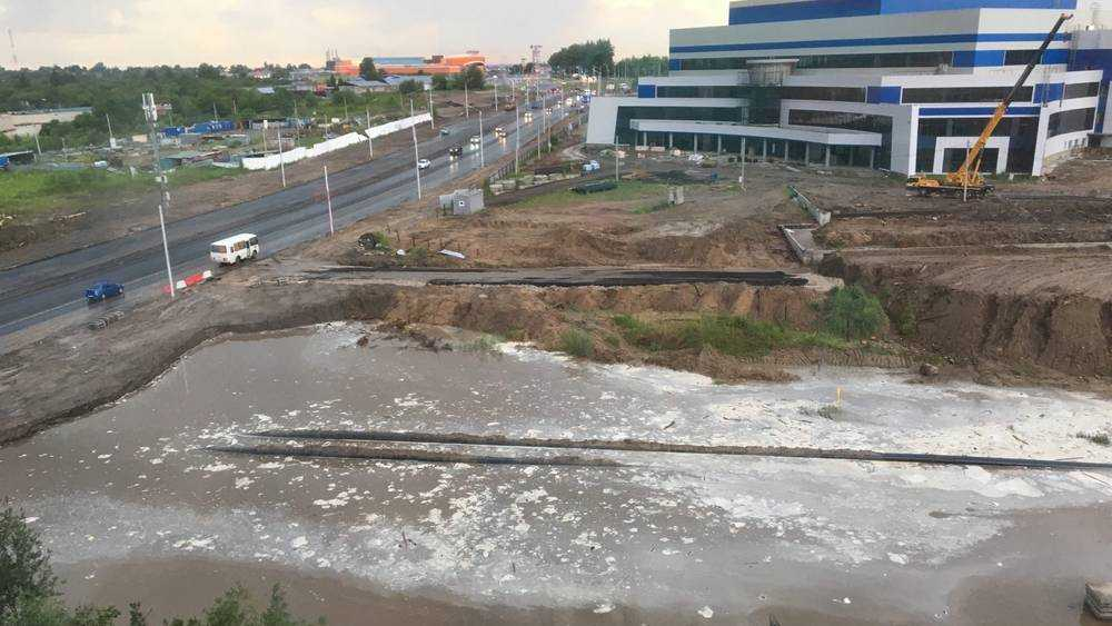 Испытание потопом выдержала новая дорога в Брянске на Объездной улице