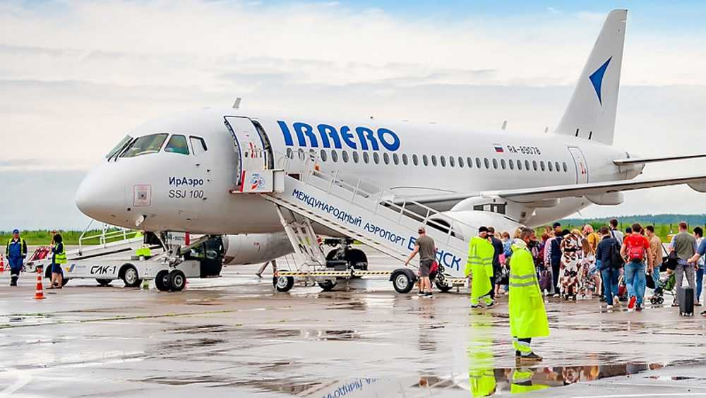 Брянцы дождались отмененного в субботу авиарейса в Крым