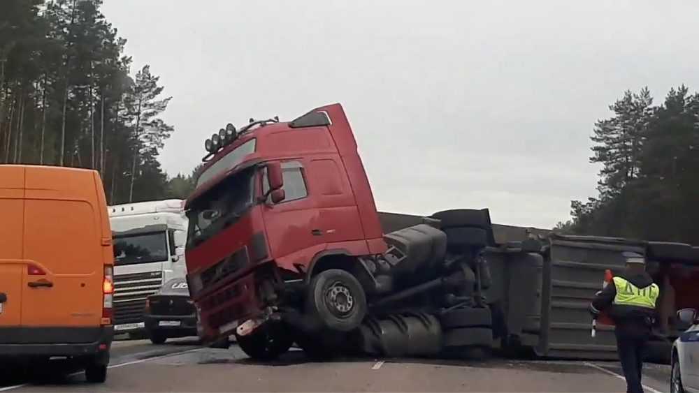На объездной дороге Брянска произошла крупная авария