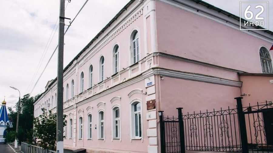 Суд отдал здание школы церкви