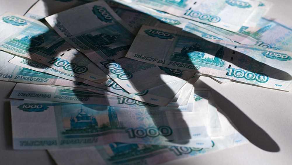 В Клинцах руководитель учебного заведения мошеннически похитил 80 тысяч рублей