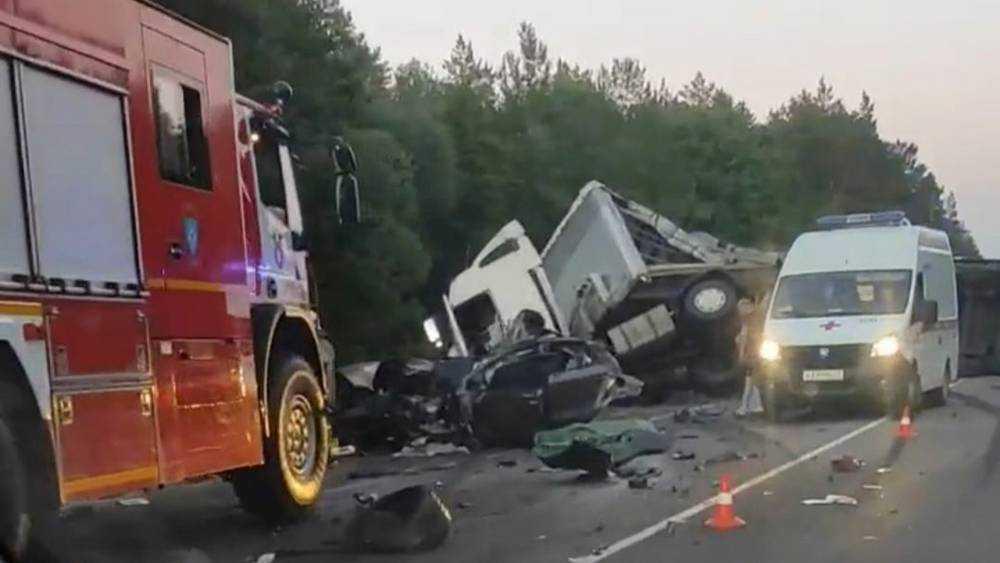 В ДТП под Брянском погиб 29-летний водитель разорванного на части автомобиля Kia