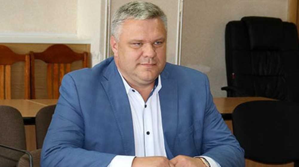 Уволенный за гибель утонувшего в коллекторе малыша чиновник возглавил ЖКХ Брянска