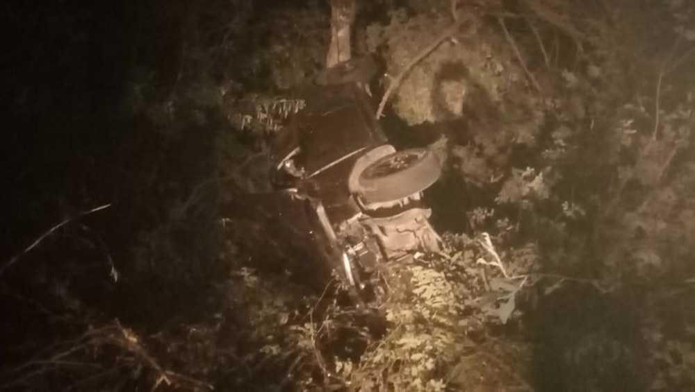 В Клетне госпитализировали водителя опрокинувшегося в кювете автомобиля