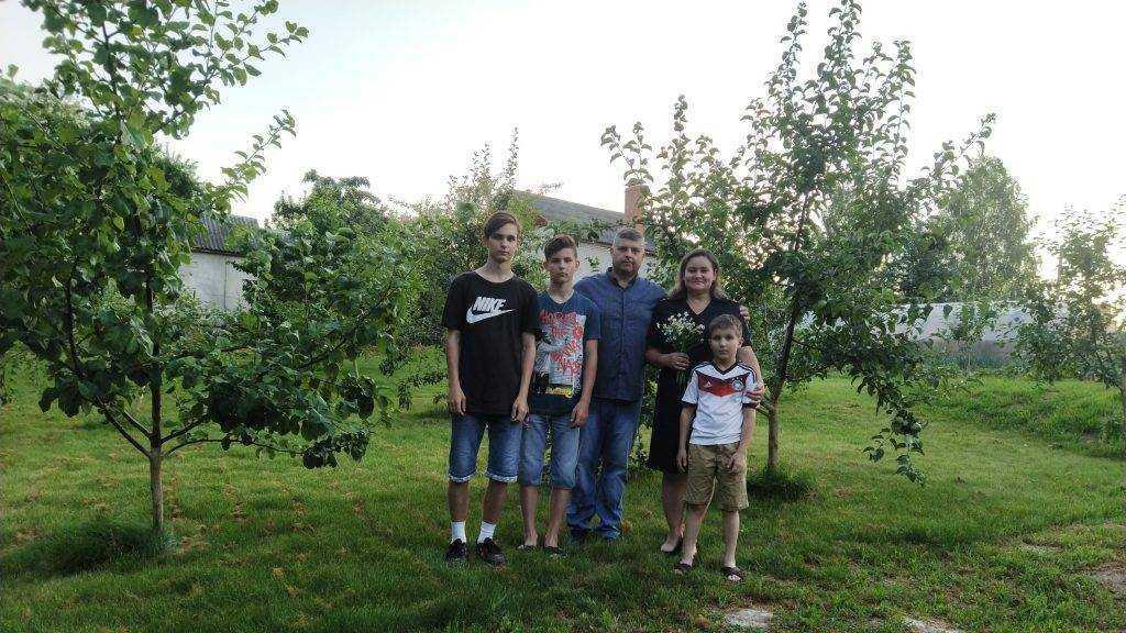 Брянская транспортная полиция рассказала о дружной семье Дубининых