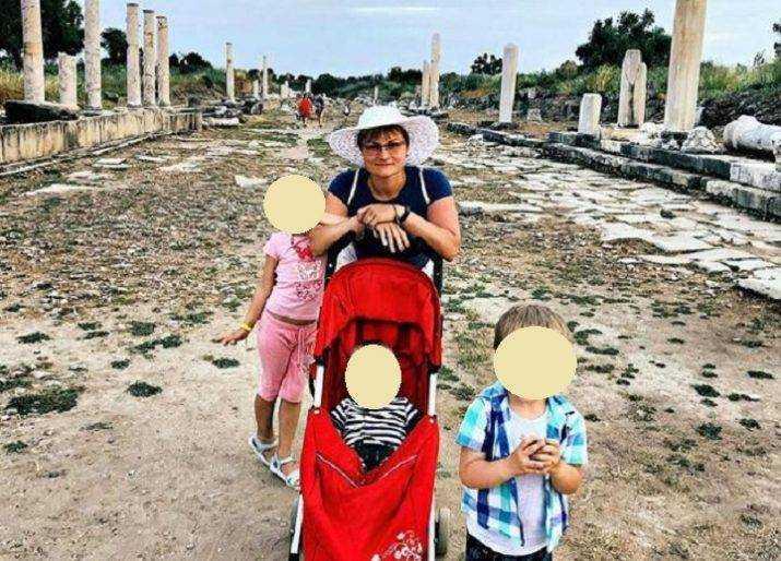 Туристку из Петербурга и ее трех маленьких детей унесло в море в Абхазии