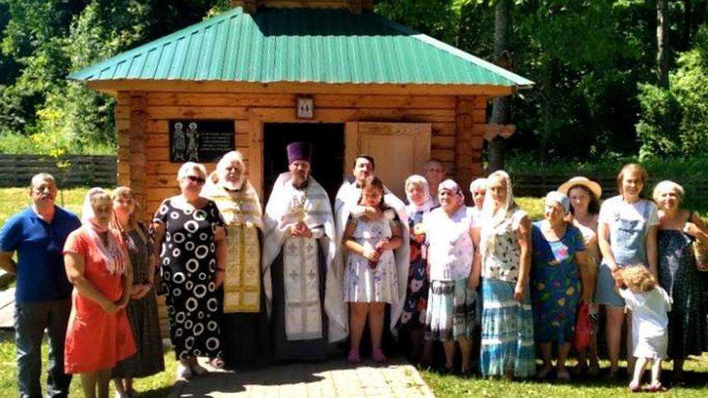 Благочинный Брасовского округа совершил молебен на источнике в Хуторе-Холмецком