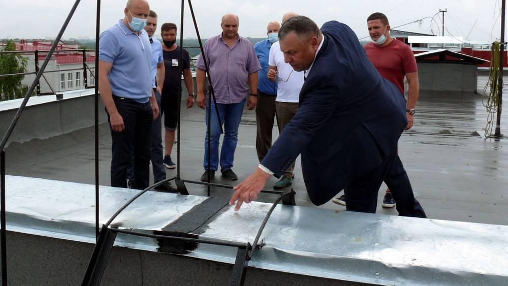 Депутаты Брянской областной думы проверили капремонт многоквартирных домов