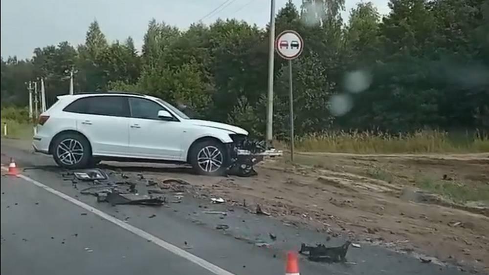 Под Брянском на объездной дороге столкнулись два автомобиля