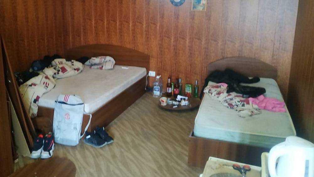 В Брянске буйные музыканты разгромили два номера частной гостиницы