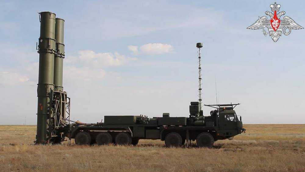 В России на полигоне Капустин Яр испытали зенитную ракетную систему С-500