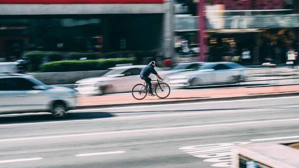 В России могут увеличить допустимую скорость до 150 километров в час