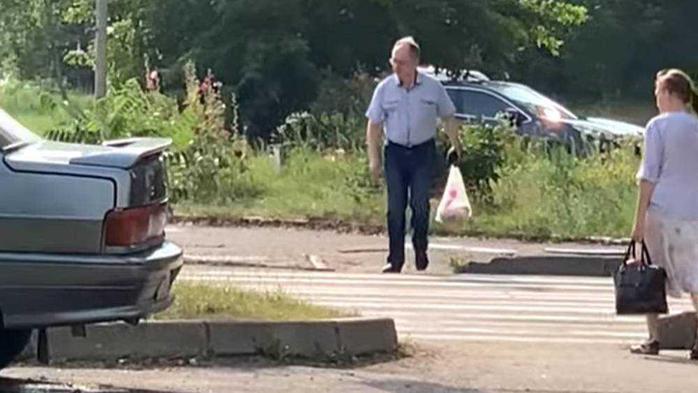 В Брянске на улице заметили человека, похожего на арестованного депутата Афонина