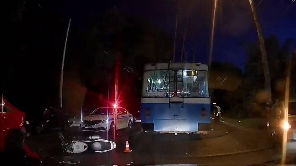 В Брянске попавший в ДТП 16-летний мотоциклист скончался от травм
