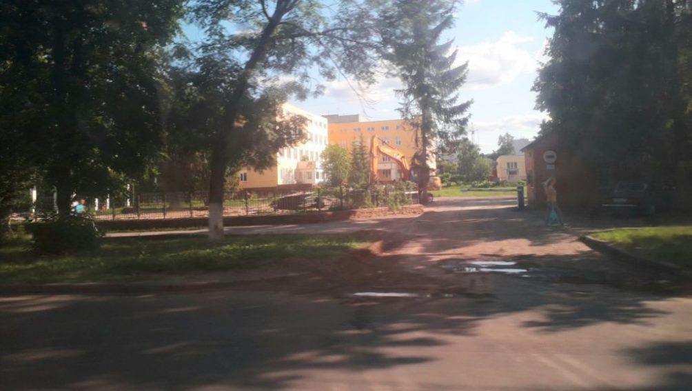В Брянске на улице Ульянова снесли старый корпус детской больницы
