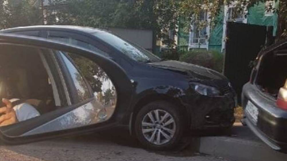 Под Брянском в поселке Бордовичи столкнулись два автомобиля