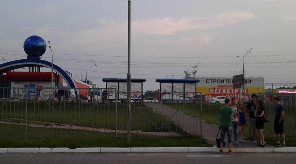 В Брянской области до 12 августа продлили запрет на посещение детьми ТРЦ