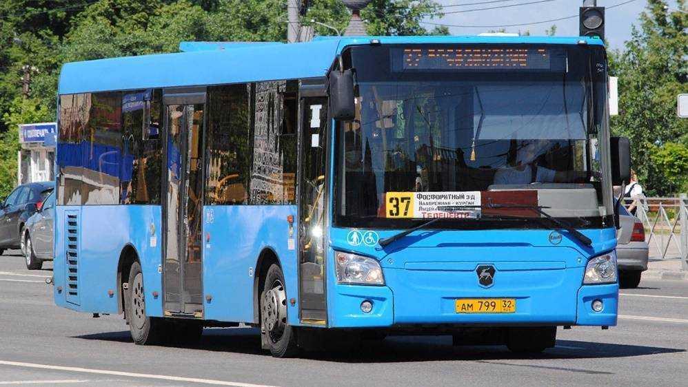 Жители Брянска попросили пустить автобус № 37 через железнодорожный вокзал