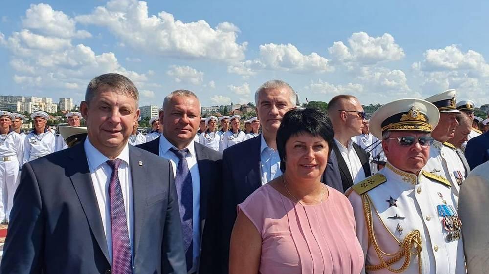 Брянский губернатор Александр Богомаз отпраздновал День ВМФ в Севастополе