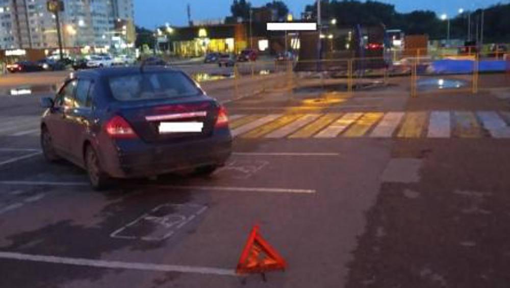 В Брянске автомобилистка на парковке сбила 45-летнюю женщину