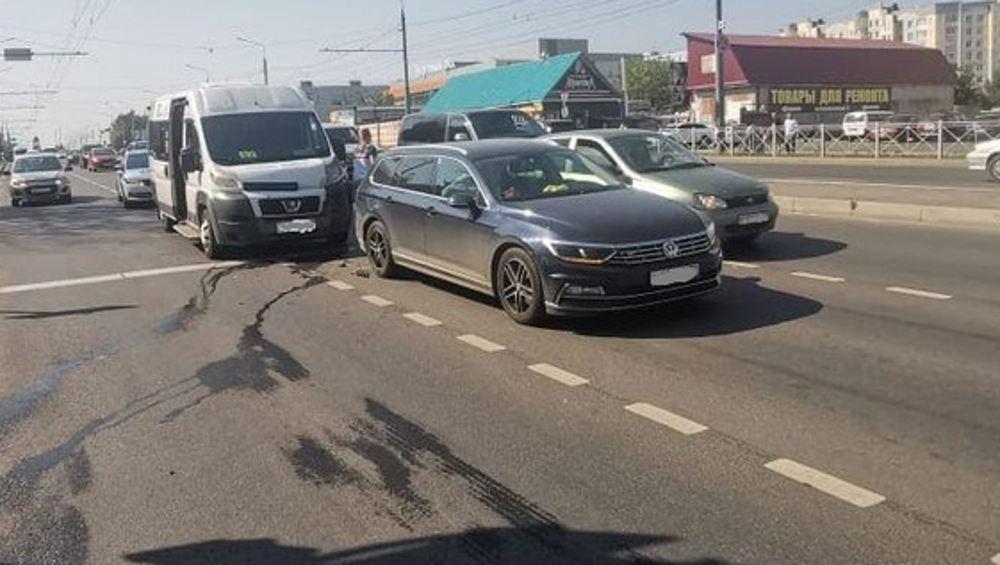 Устроивший ДТП на улице Авиационной в Брянске маршрутчик 4 раза был оштрафован