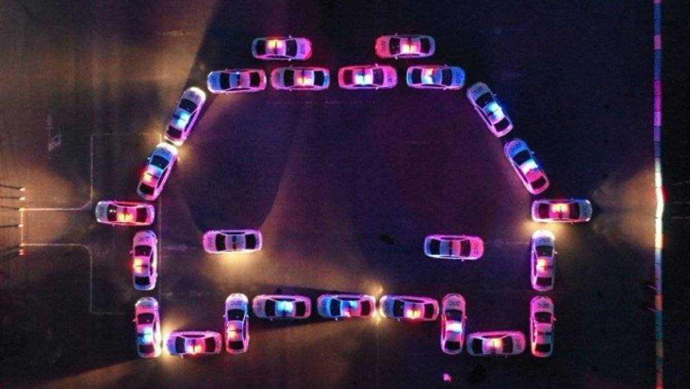 В Брянске провели автомобильный флешмоб в честь 85-летия Госавтоинспекции