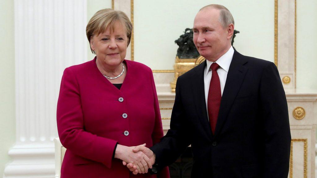 Меркель обсудила по телефону с Путиным «Северный поток — 2»