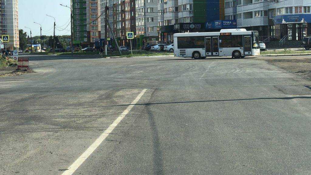 В Брянске заасфальтировали скандальный участок дороги на улице Горбатова