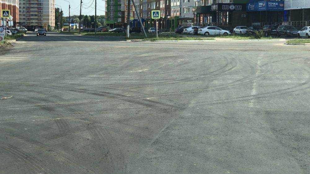В центре Брянска заасфальтировали проблемный участок дороги