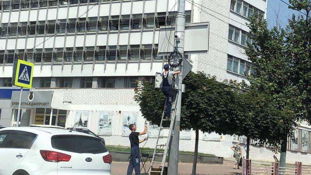 В Брянске автомобилистов встревожила установка тайных камер на улицах