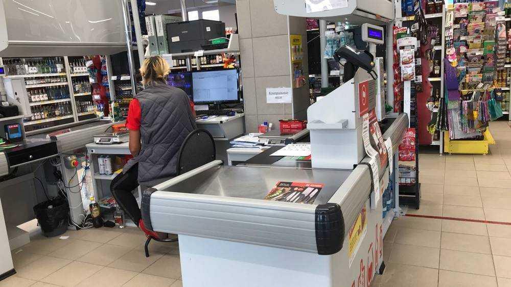 В Брянске укравшая шоколад женщина устроила драку с продавцом магазина «Магнит»