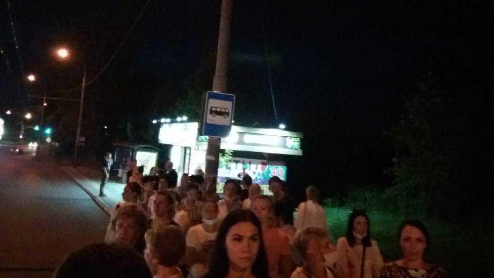 Власти Брянска объяснили, почему люди не могли уехать от ТРЦ «Аэропарк»