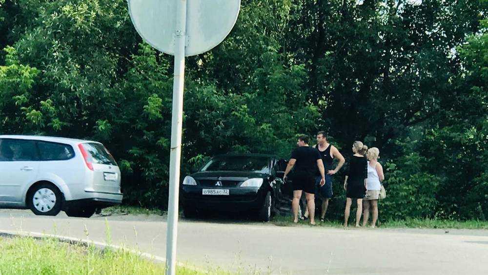 В Брянске на Речной улице возле переезда произошло серьезное ДТП