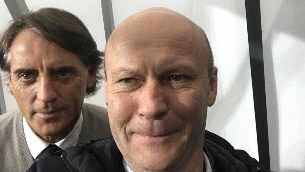 Бывший брянский замгубернатора сфотографировался с тренером чемпионов Европы