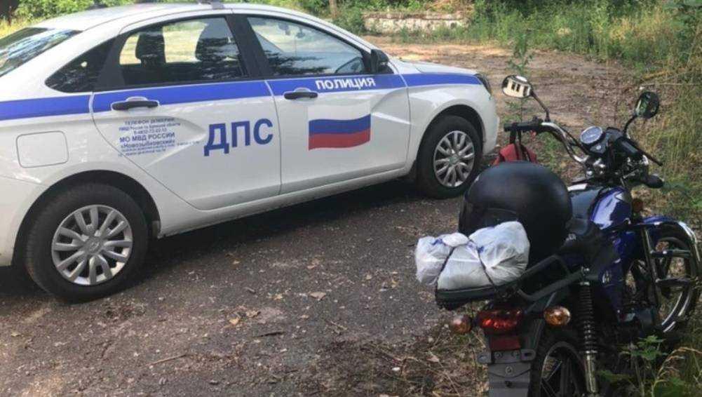 Под Злынкой сотрудники ГИБДД задержали мопедиста без «прав»